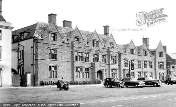 Banbury, Whately Hall Hotel c.1955