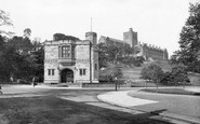 Bangor, North Wales Hero's Monument And University 1930