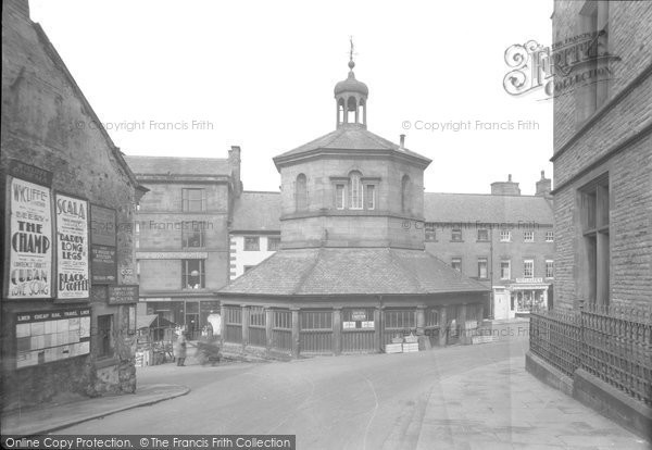 Barnard Castle, The Market Cross c.1930