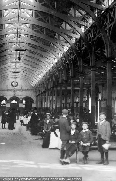 Barnstaple, Boys In The Pannier Market 1903