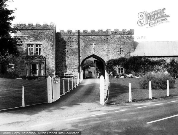 Barnstaple, Ivy Lodge c.1965