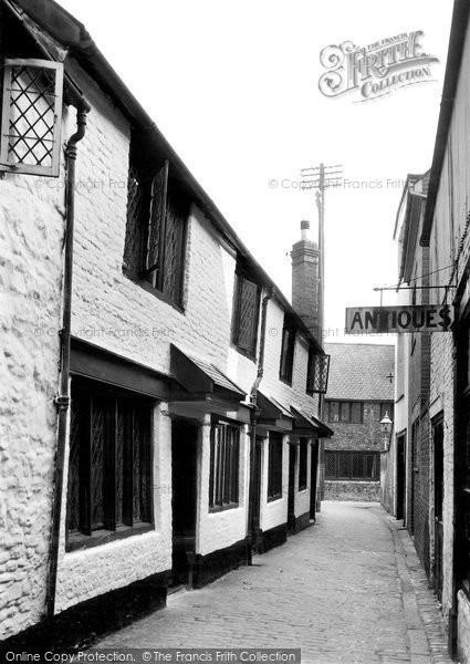 Barnstaple, Thomas Horwoods Almshouses c.1955