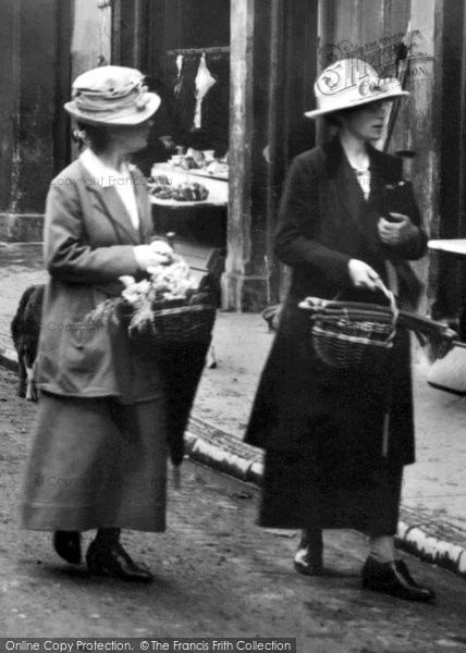 Barnstaple, Women In Butchers Row 1919
