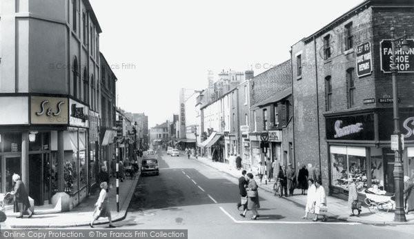 Barrow In Furness, Cavendish Street c.1960