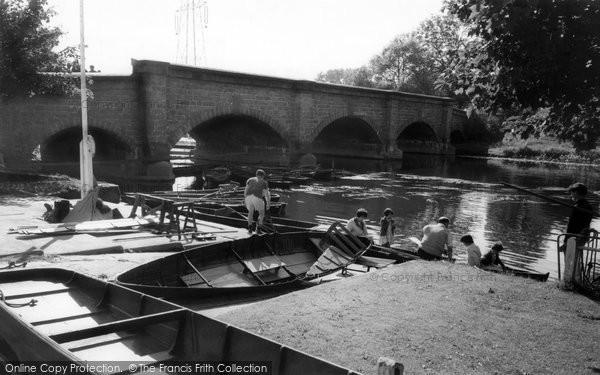 Barrow Upon Soar, The Bridge And River c.1965