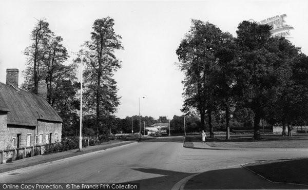 Barton Seagrave, Botolphs Road c.1960