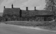 Barton Seagrave, Old Cottages c.1955