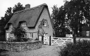 Barton Seagrave, Thatched Cottage c.1960