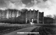 Barton Upon Humber, Thornton Abbey c.1960