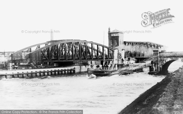 Barton Upon Irwell, The Swing Bridges 1895