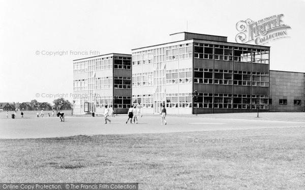 Basildon, Woodlands Boys School c.1960