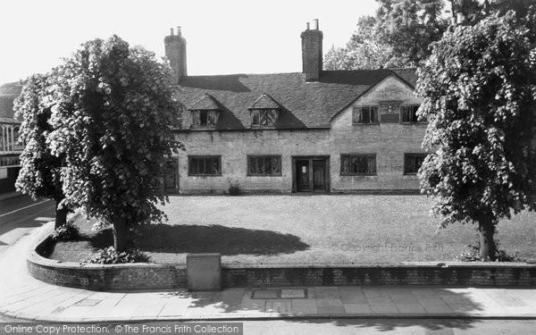 Basingstoke, Deane's Almshouses c.1960