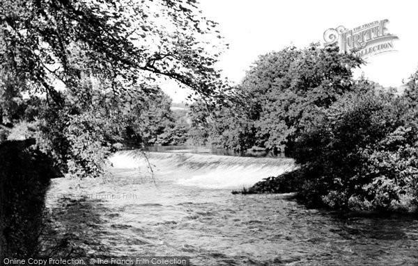 Baslow, River Derwent And Weir c.1955
