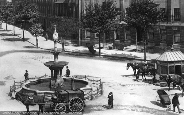 Bath, The Fountain, Great Pulteney Street 1901