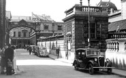 Bath, York Street And Roman Baths c.1955