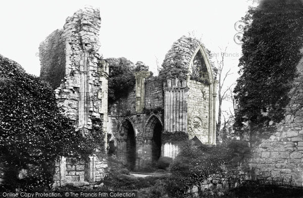 Bayham Abbey photo