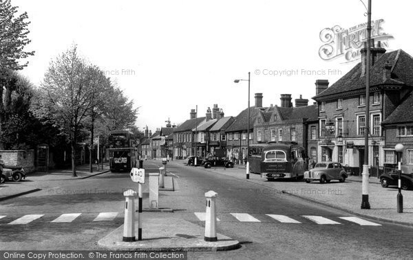 Beaconsfield, The Oxford Road, Old Town c.1955