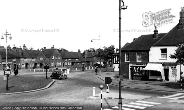 Beaconsfield, The Roundabout c.1955