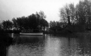 Beccles, Drifting On The Waveney 1931