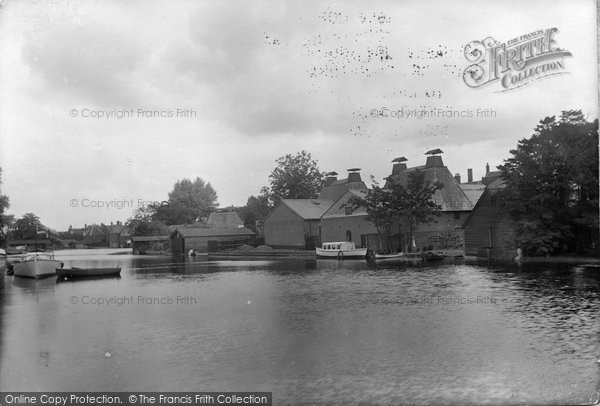 Beccles, River Waveney 1923
