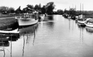 Beccles, The River c.1955
