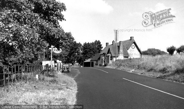 Beckhampton, The Waggon And Horses c.1955