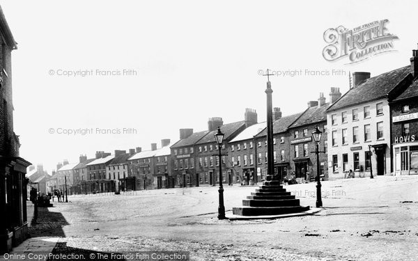 Bedale, High Street And Cross 1908