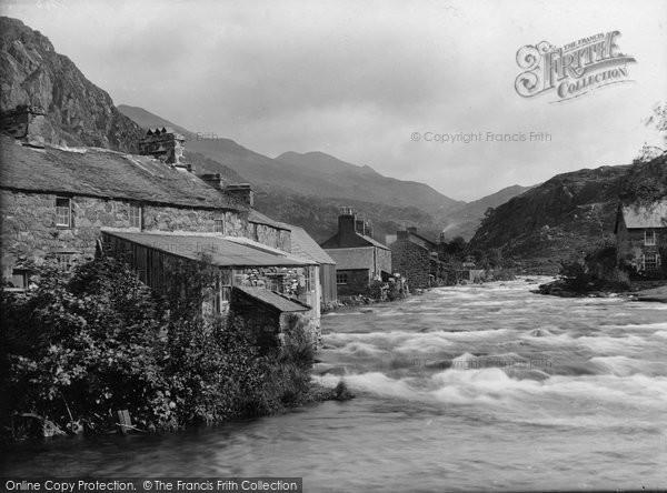 Beddgelert, River Glaslyn 1925