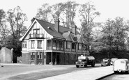 Beddington, The Plough Inn 1952
