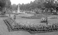 Bedford, Embankment Gardens c.1955