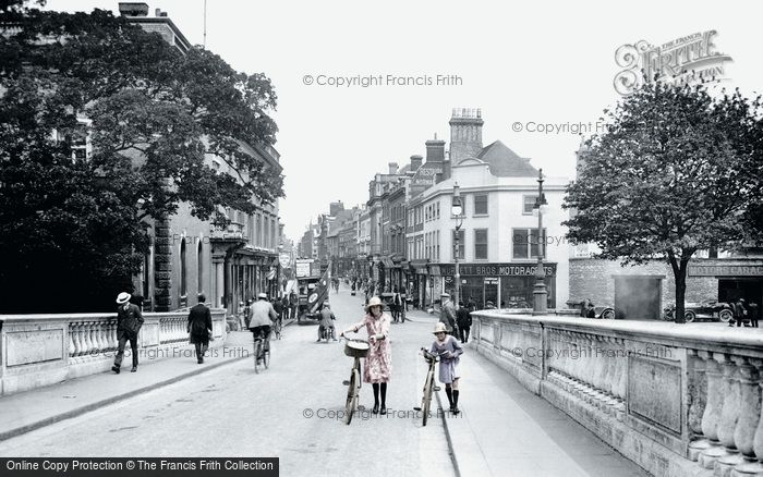 Bedford, High Street From Town Bridge 1921