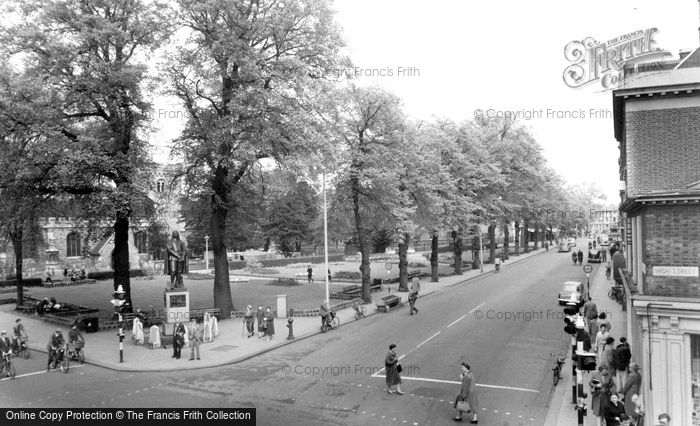 Bedford, St Peter's Square c.1955
