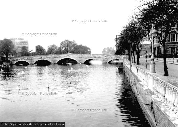 Bedford, The Bridge c.1955
