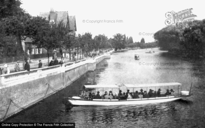 Photo of Bedford, the Embankment 1921
