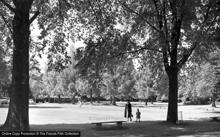 Bedford, The Park c.1955