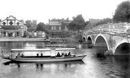 Bedford, The River Ouse And The Bridge 1921