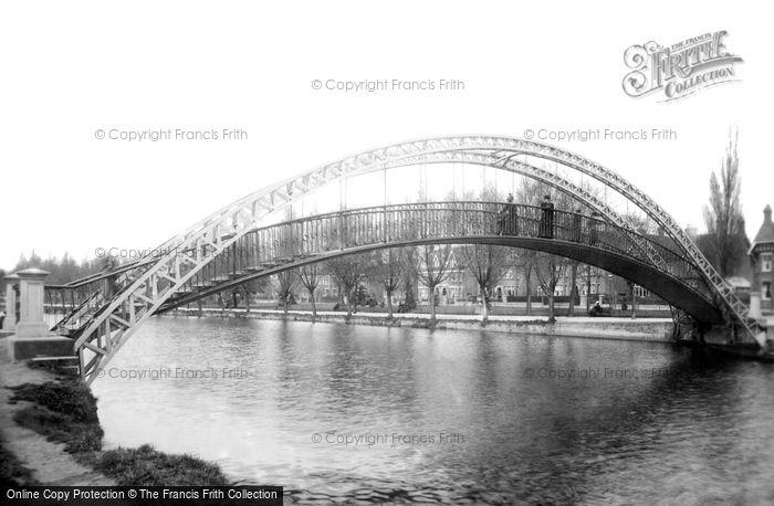 Bedford, The Suspension Bridge 1898