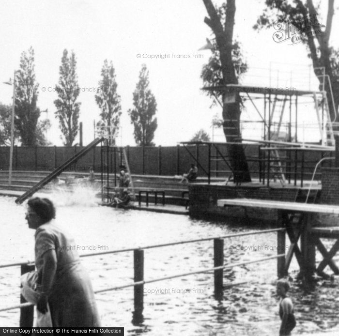 Bedford, The Swimming Pool c.1955