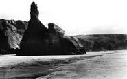 Bedruthan Steps, Queen Bess Rock c.1955