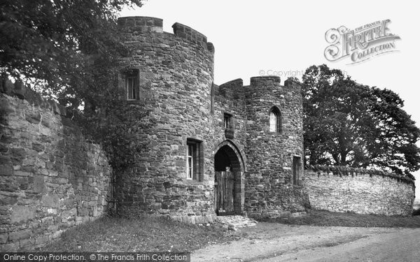Beeston, Castle Gates c.1950