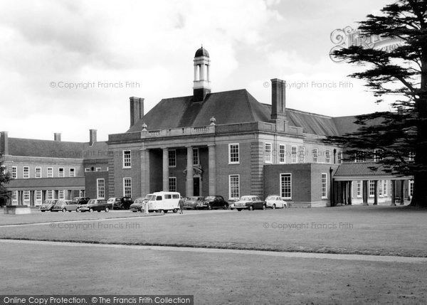 Berkhamsted, Ashlyns School c.1955