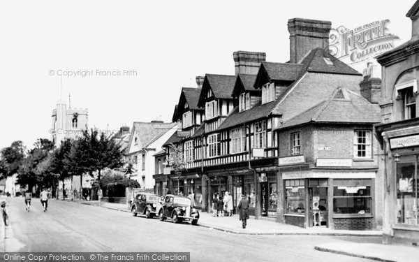 Berkhamsted, High Street And St Peter's Church c.1955