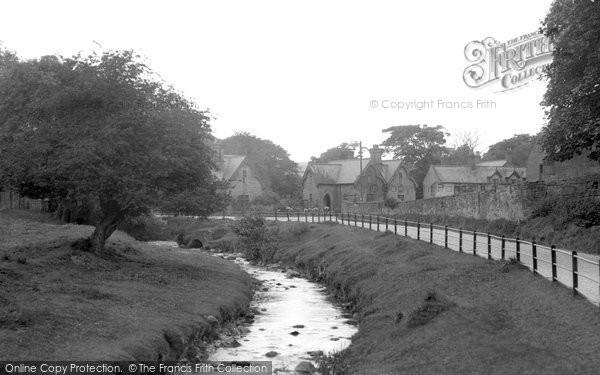 Bersham, The River Clywedog And Road c.1936
