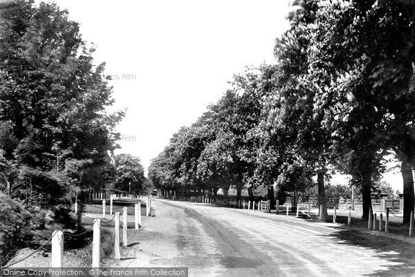 Beverley, New Walk 1900