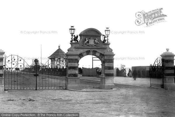 Bexhill On Sea, De La Warr Gates 1896