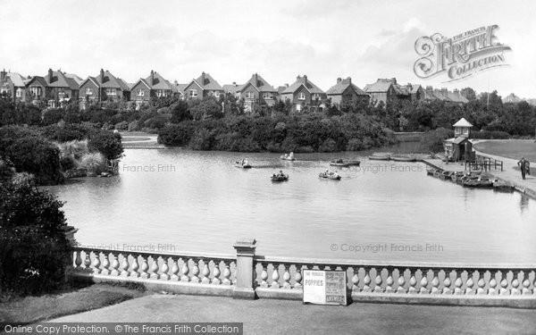 Bexhill On Sea, Egerton Park Lake 1927