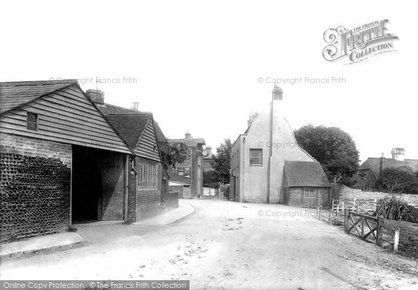 Bexhill On Sea, Smithy And Jubilee Clock 1891
