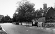 Beyton, Bridge House And Main Road c.1960