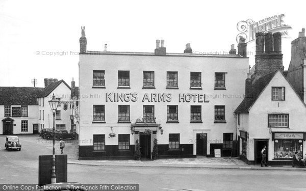 Bicester, King's Arms Hotel c.1950