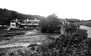 Bickleigh, Fisherman's Cottage And Bridge 1934